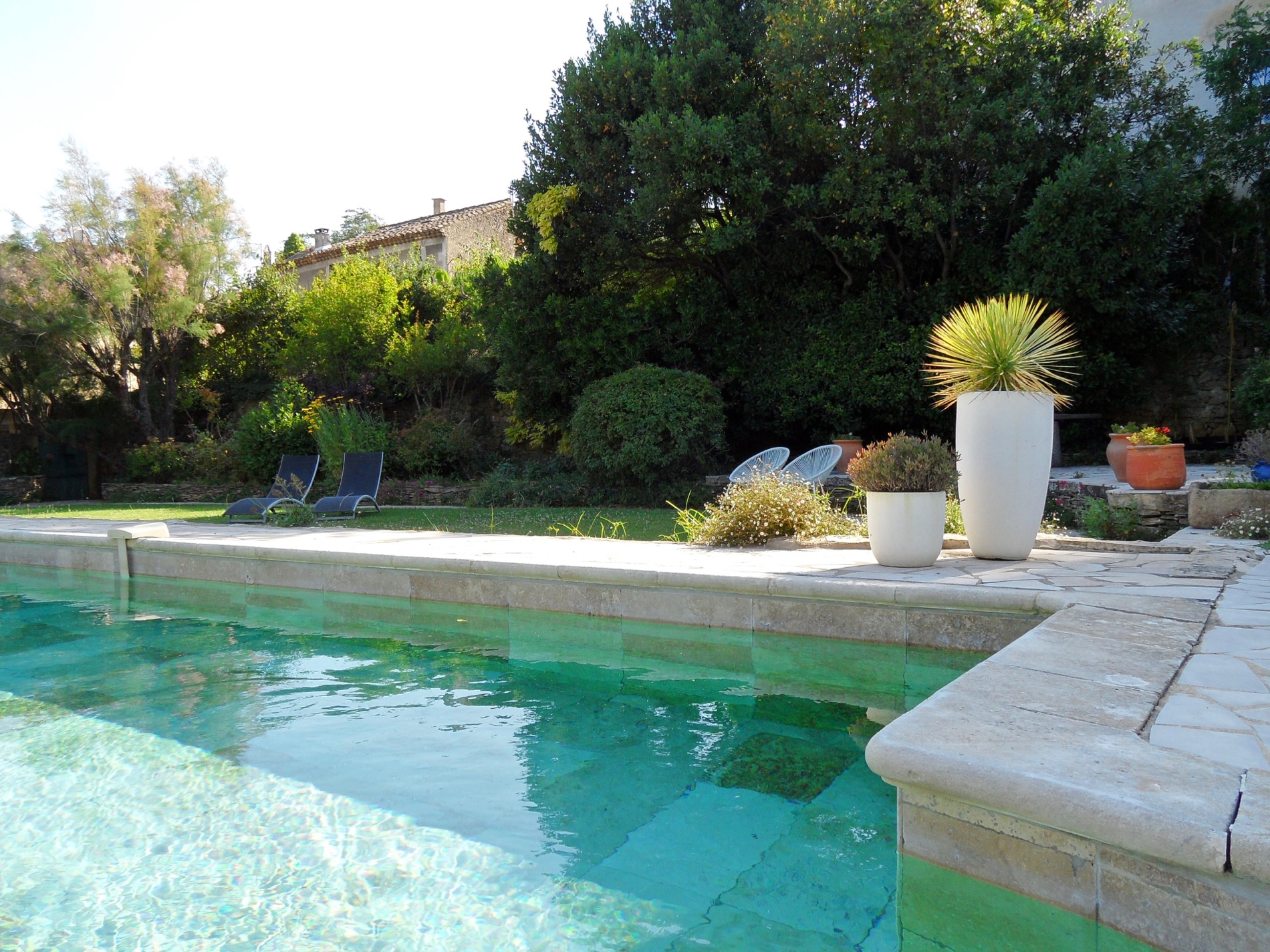 Uzès – Avignon, magnificent Mas with independent apartments, pool, spa, landscaped grounds