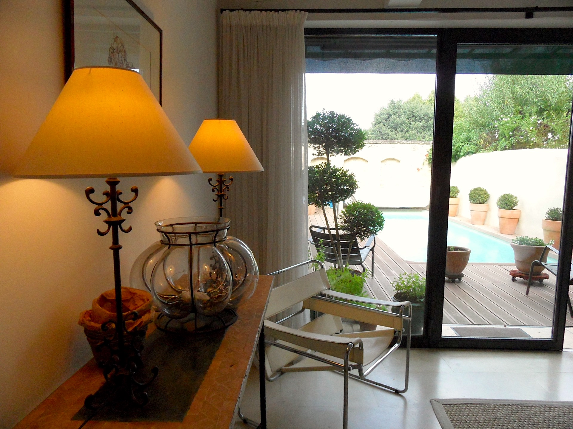 Uzès centre, conservation area, elegant town house with beautiful terrace and heated pool