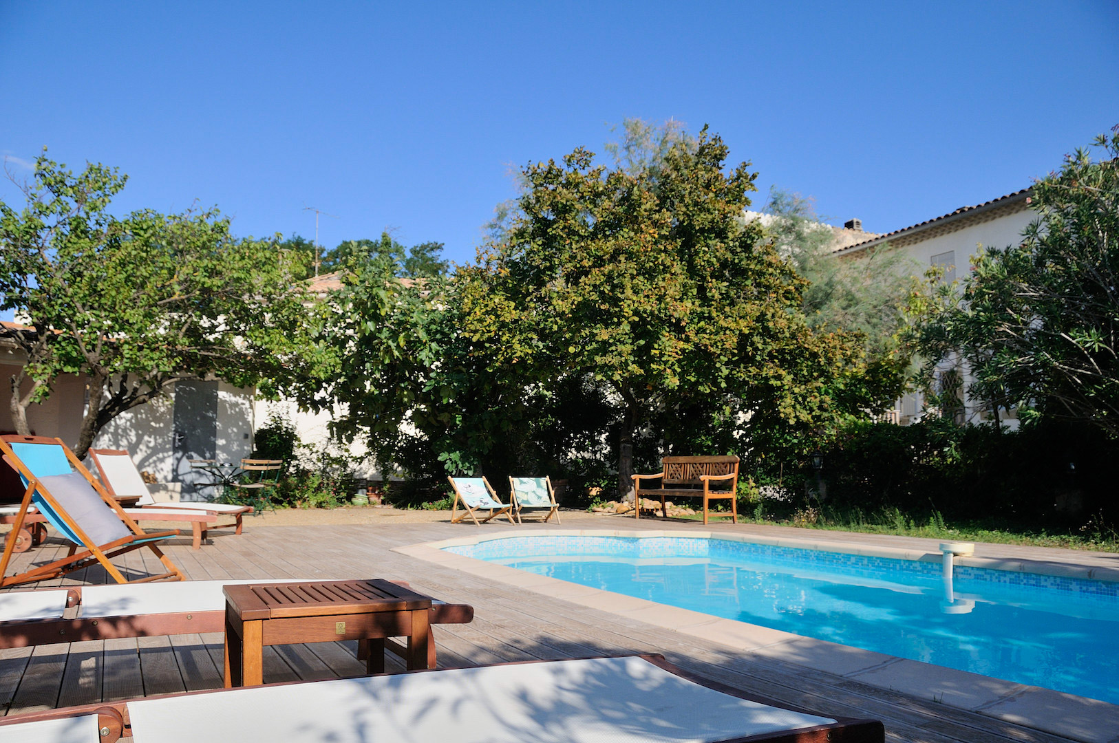 North of Avignon, Master house plus two separate dwellings, garden, pool & garages, good rental income