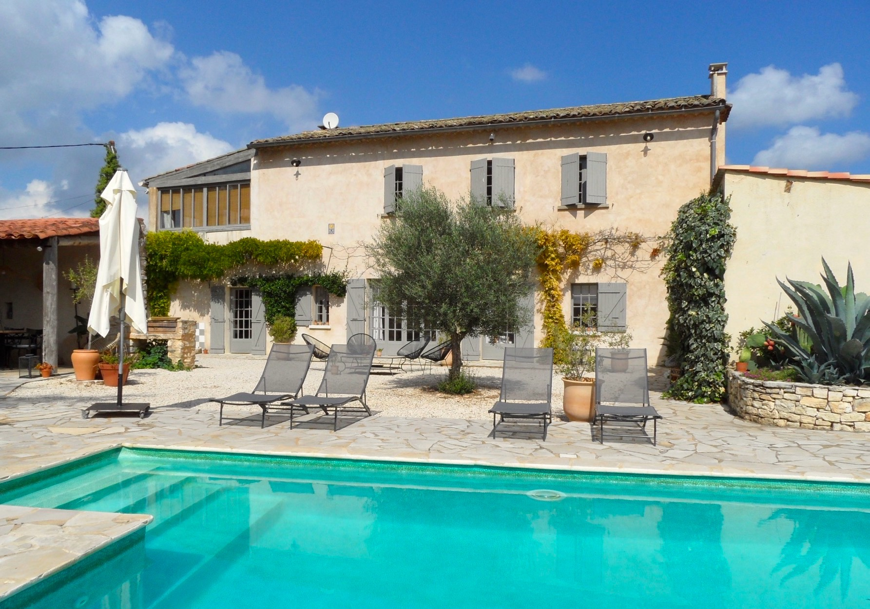 Uzès – Goudargues, pretty country house with large garden and pool