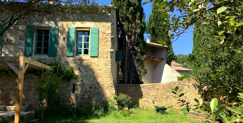 Uzès region, charming XVII th century house , peaceful hamlet 320m2 SH on 5400 garden with swimming pool