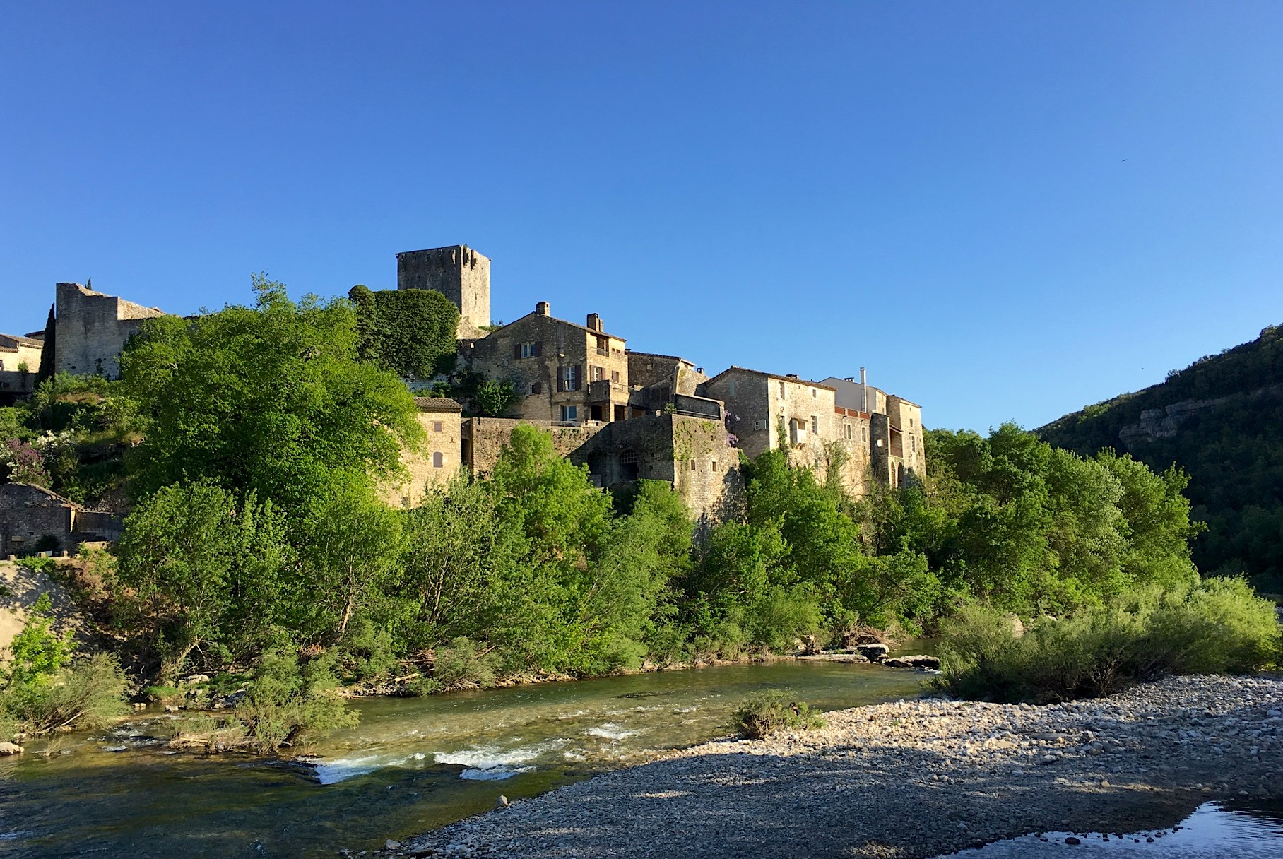 2153 : Montclus, village listed amongst the most beautiful of France, 17th c character property, 165m2, view overlooking the river