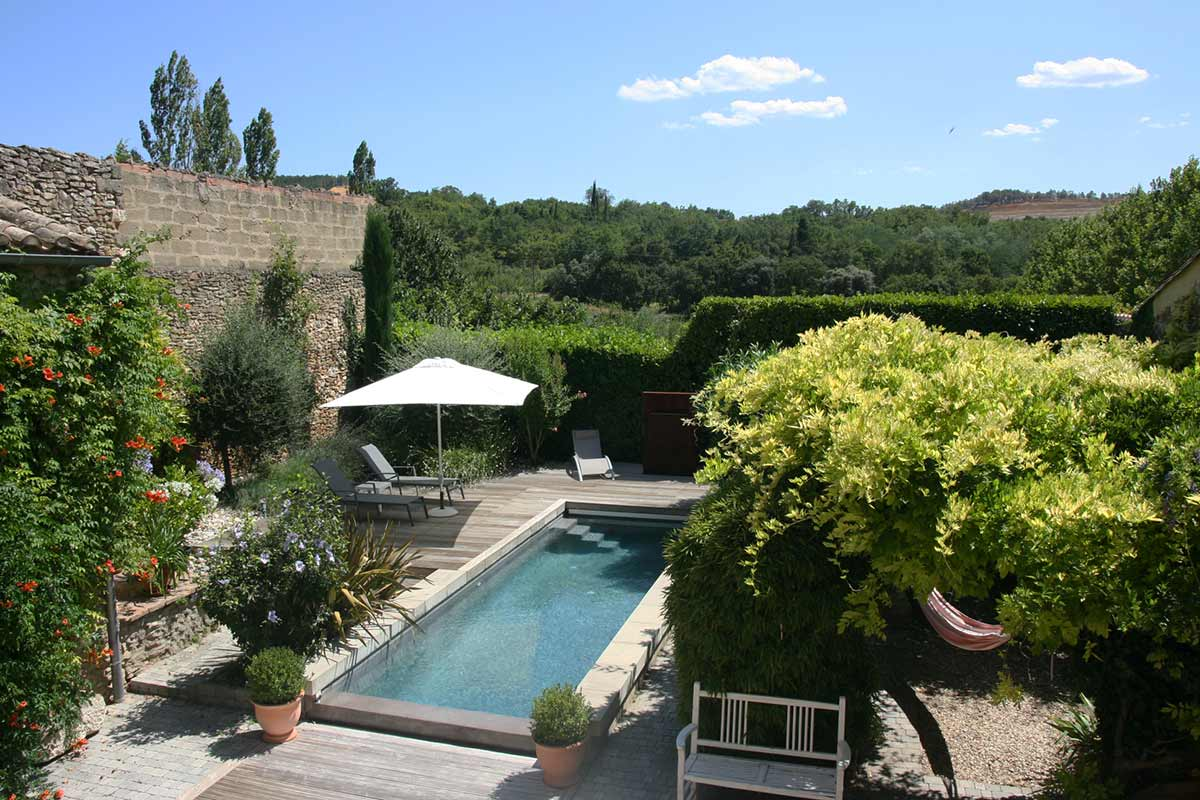 2173 : UZES, village close by, charming house, 234 m2 living space with super pool and  pretty garden