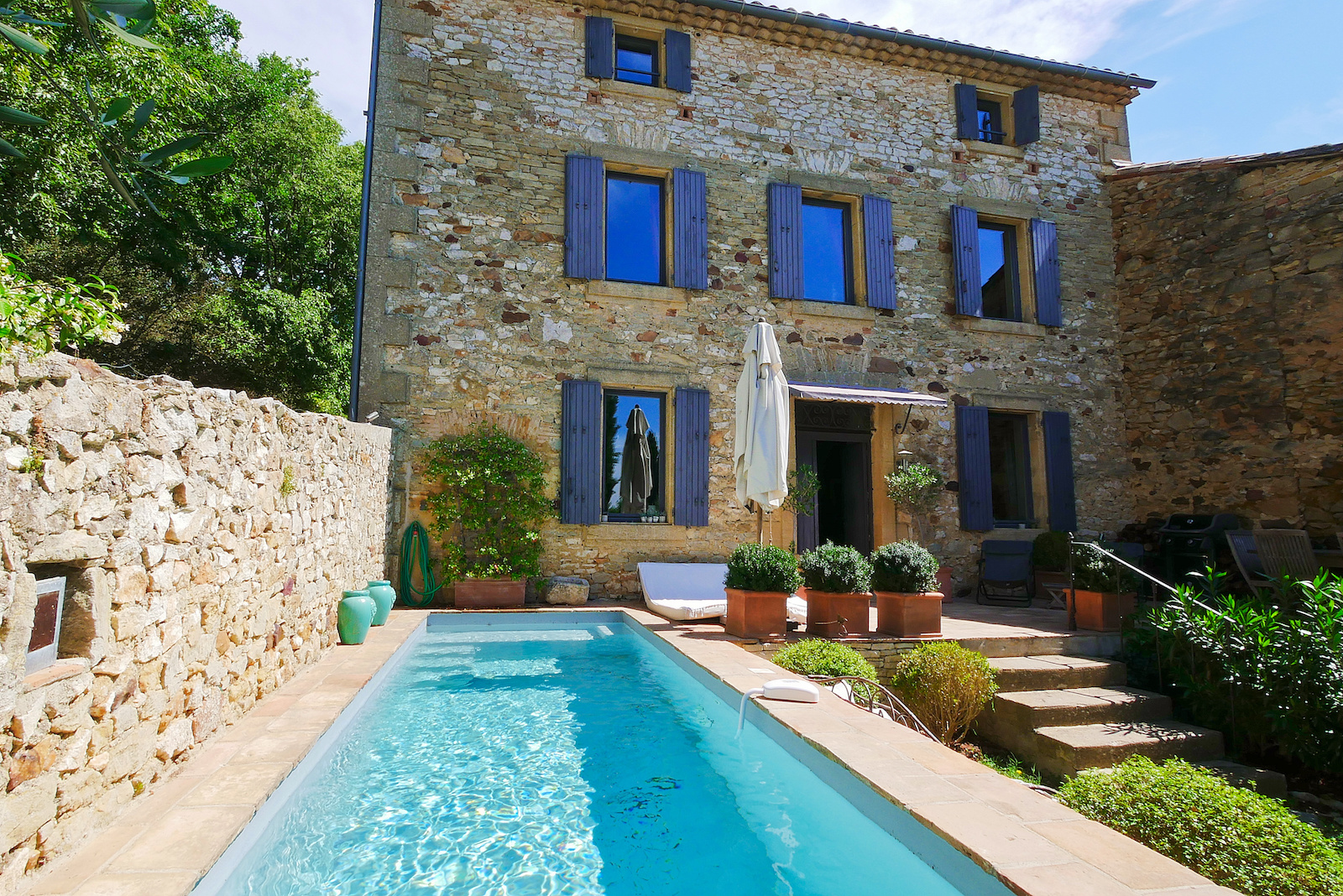 "2186 :UZES region, elegant ""Maison de Maitre ""with cottage garden and swimming pool 10 minutes from Uzès"