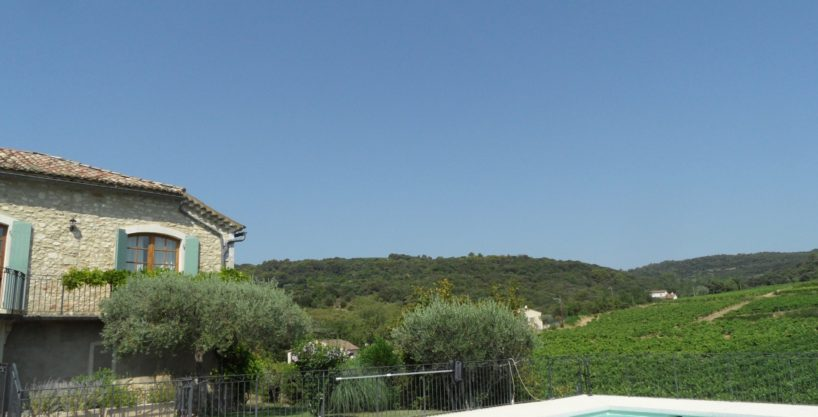 2190 : , Goudargues, Cèze river valley, former winery, now a lovely family home with pool, surrounded by vines.