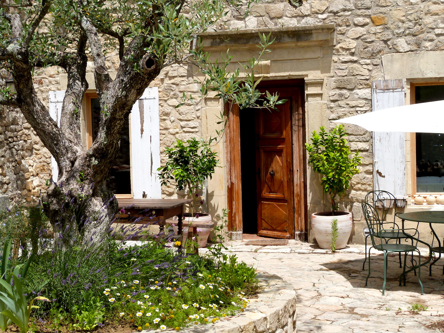2202 : La Roque sur Cèze, charming house, plus artist's studio, in one of the prettiest villages in France
