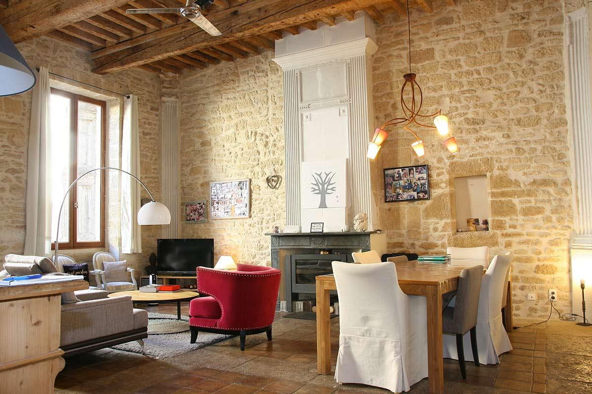 2313 : Demeure de prestige, superbe maison de ville ancienne, 460m2 habitables, 7 chambres, joli cour